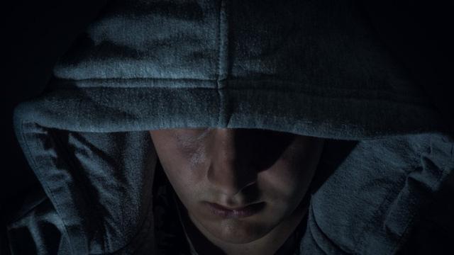 Sau khi bị bắt, thanh niên 17 tuổi vẫn tiếp tục cung cấp thông tin sai lệch cho cảnh sát